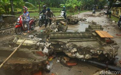 Tsunami Di Banten Tidak Dipicu Gempa Bumi