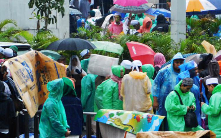 Walau Hujan Deras, Jama'ah Aksi 112 Terus Berdatangan
