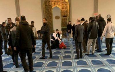 Penikaman Muazin di Masjid London, Pelaku Sempat Ikut Shalat