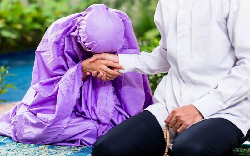 Puasa Pertama Kali Bagi Pasangan Baru?  Inilah Hal Yang Membuat Suami Makin Sayang!