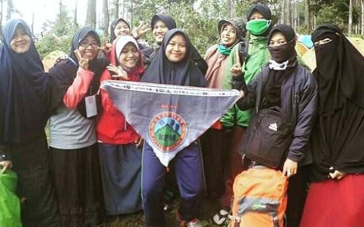 "Komunitas Pendaki Muslim : ""Mendaki Menjadi Ibadah dan Kegiatan Dakwah Kami"""
