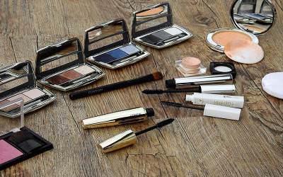 Tips Membersihkan Alat Make Up dengan Bahan Rumahan