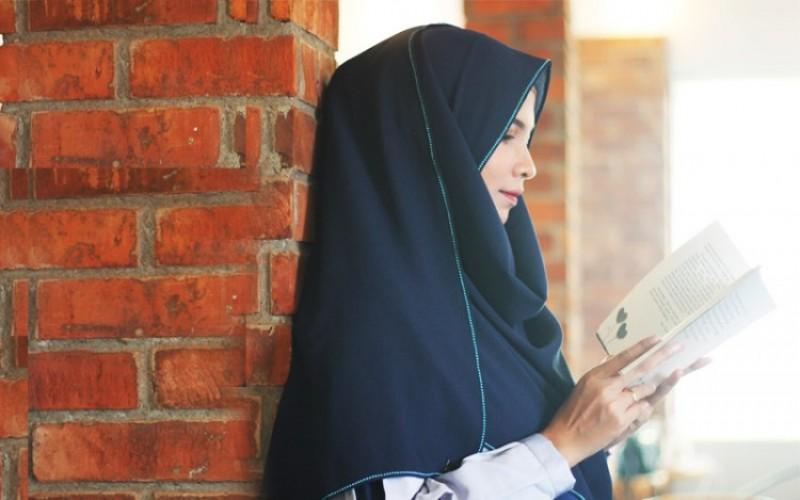 Ini Dia Tips Memilih Warna Busana Muslim yang Tepat