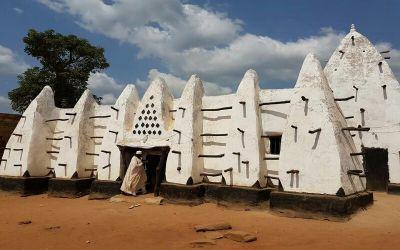 Menilik Masjid Larabanga, Unik dan Tertua di Afrika Barat