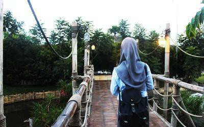 Keberanian Gadis Cantik 17 Tahun, Mencari Kedamaian Dalam Islam
