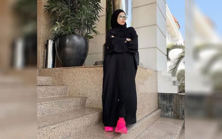 Cerita Desainer Vivi Zubedi, Awal Bangun Karir Bisnis Abaya hingga Wakili Indonesia dalam New York Fashion Week 2018