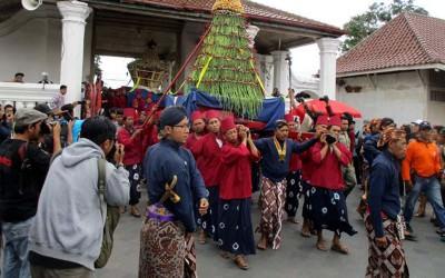 3 Tradisi Unik Saat Lebaran di Beberapa daerah Indonesia