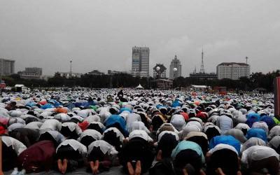 Hujan Bagaikan Hadiah dan Penghapus Dosa Peserta Aksi 212
