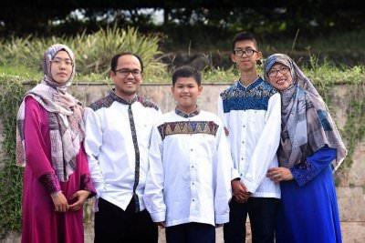 Kisah Madam Ani : Ditentang Masuk Islam Hingga Menjadi Rektor STEI Tazkia