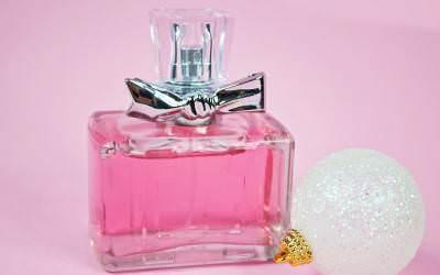 Haramkah Memakai Parfum Yang Mengandung Alkohol ?
