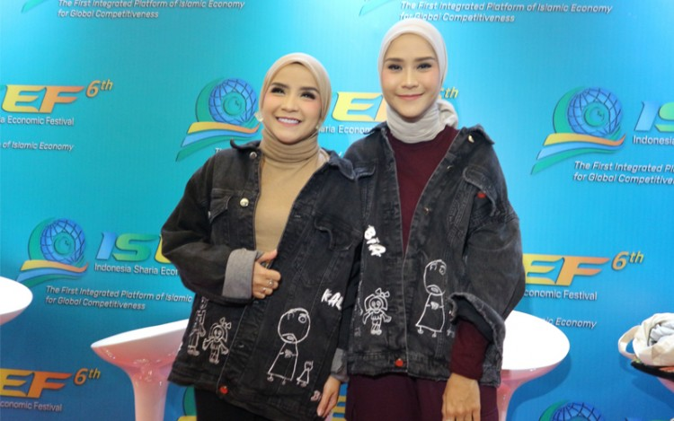 Ikut Road to Sustainable Fashion ISEF 2019, Zaskia Mecca Berkolaborasi dengan Anak Ketiganya