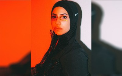 Buktikan Hijab Tak Ganggu Pertandingan, Petinju Muslim Zeina Nassar Gandeng Nike