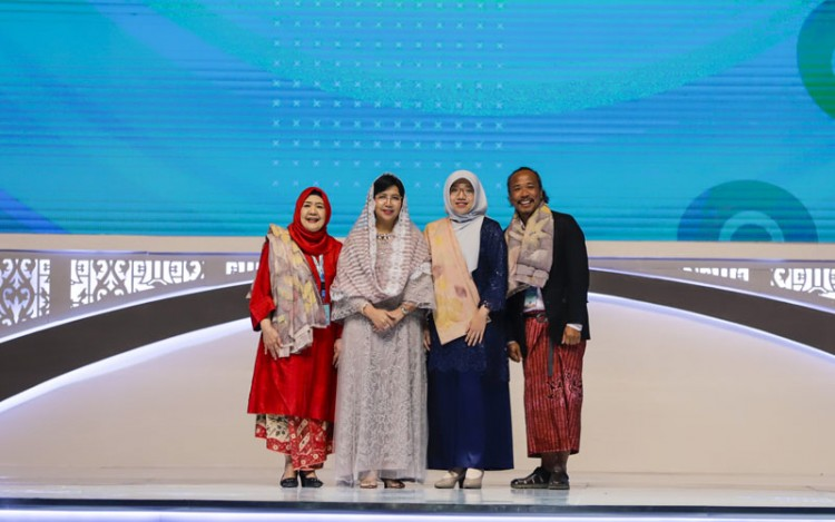 "Fasion Etis dalam ""Road to Sustainable Fashion"" ISEF 2019"