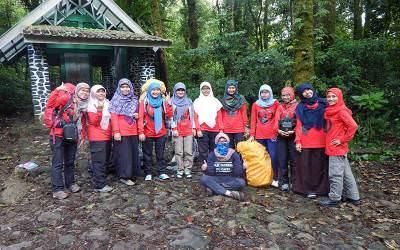 Komunitas Pendaki Hijabers, Berjilbab Juga Bisa Berpetualang