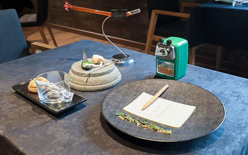 Namaaz Dining Restoran Unik Berkonsep Molecular Gastronomy