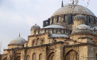 Istanbul: Terpikat Pesona Masjid Sulaymaniye yang Megah dan Menghipnotis