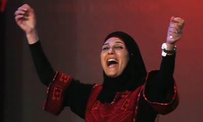 Hanan Al Hroub, Wanita Palestina Ini Peraih Nobel Guru Terbaik di Dunia