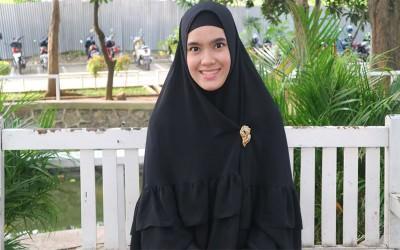 Menganal Sosok Hafidzah Cantik Pengajar Putri Imam Masjidil Haram