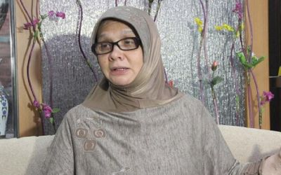 Surat Al Ikhlas, Membawa Irena Handono Menemukan Islam