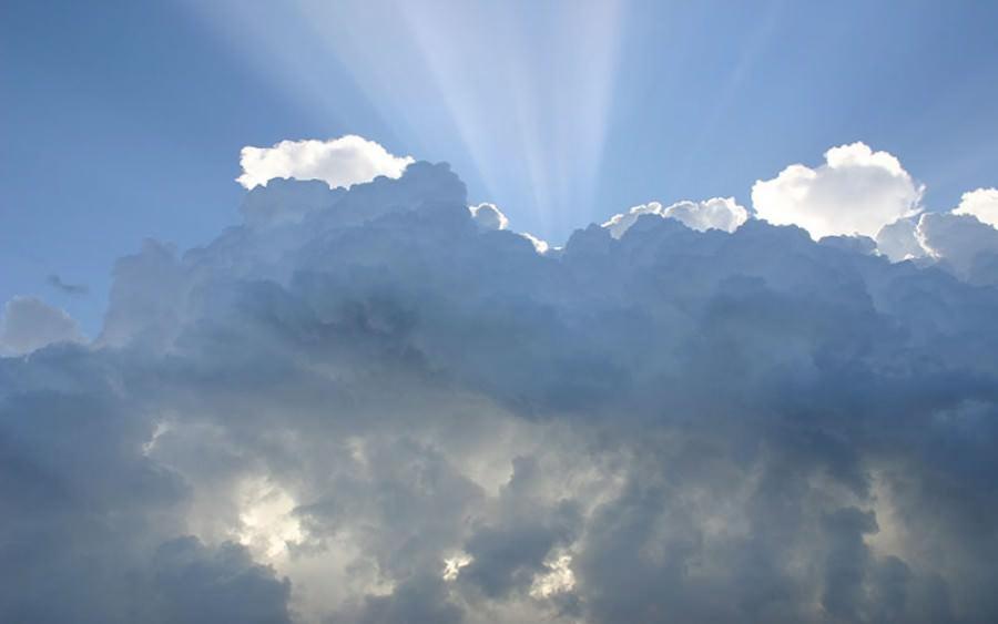 Bakti Kepada Ibu, Kisah Pemuda yang Tinggal Diantara Langit dan bumi