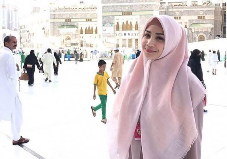 Cantiknya Nagita Slavina Mengenakan Hijab