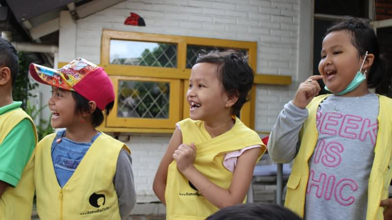 Berbagi Kebahagiaan untuk Penderita Kanker Bersama Komunitas Taufan