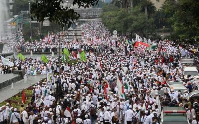 Demi Aksi 212, Warga dari 10 Kota Ini Berbondong-bondong ke Jakarta