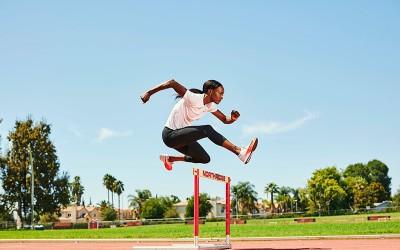 Menghentak! Rekor Lari Gawang selama 16 Tahun Dipecahkan Atlet Muslimah Amerika