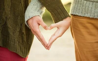 4 Kisah Cinta Romantis, Terbaper Sepanjang Masa
