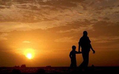 Kisah Haru Pedagang Tempe dan Baktinya pada Ibunda