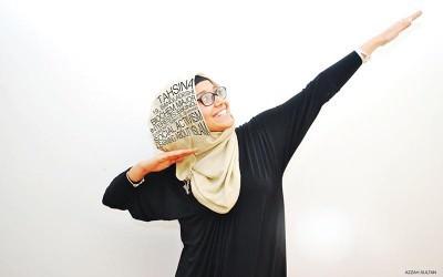 Azzah Sultan, Menentang Pandangan Negatif tentang Muslimah Melalui Seni