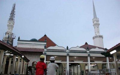 Masjid Keramat Luar Batang, Kesejukan Istimewa di Tengah Panasnya Pesisir Kota