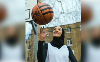 Kenalan Dengan Asma Elbadawi, Pemain Basket Pro Berhijab dari Inggris