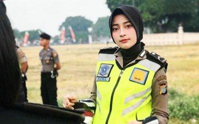 Peringati Hari Polisi Wanita Indonesia, Yuk Kenalan dengan 5 Polwan Berhijab Ini