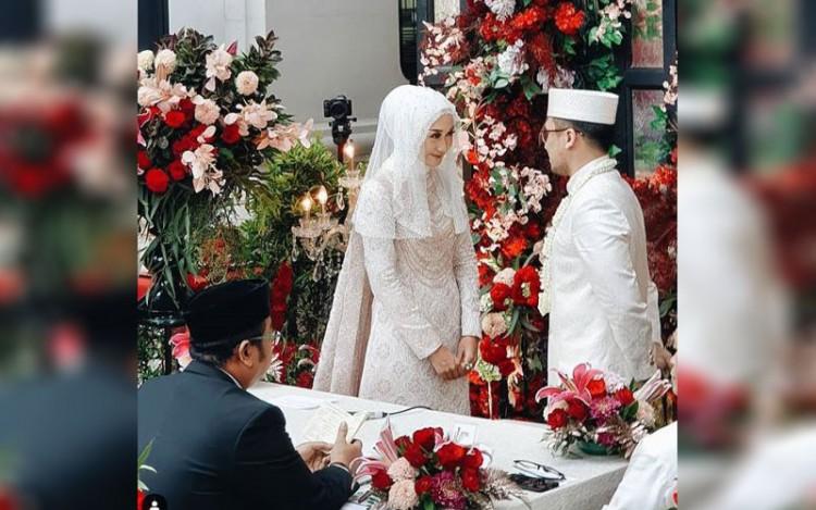 Langsungkan pernikahan, ini dia 10 Potret pernikahan Dian Pelangi dan Sandy Nasution