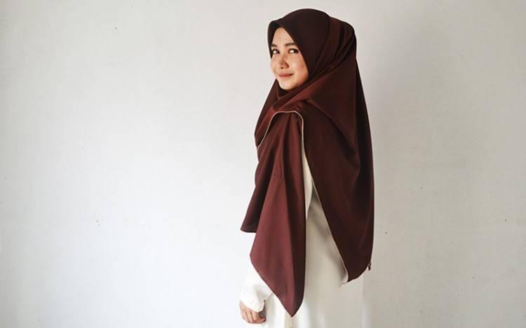 Yuk, Kenali Lima Jenis Hijab Pashmina Kekinian